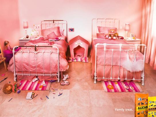 Alican Print Ad -  Family treat, Room