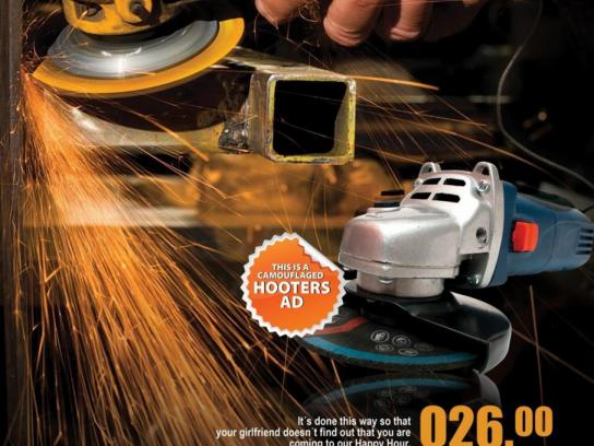 Hooters Print Ad -  Camouflage, 1