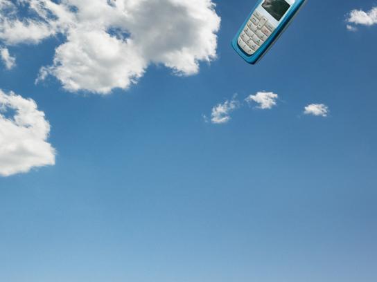 Hopi Hari Theme Park Print Ad -  Cell phone