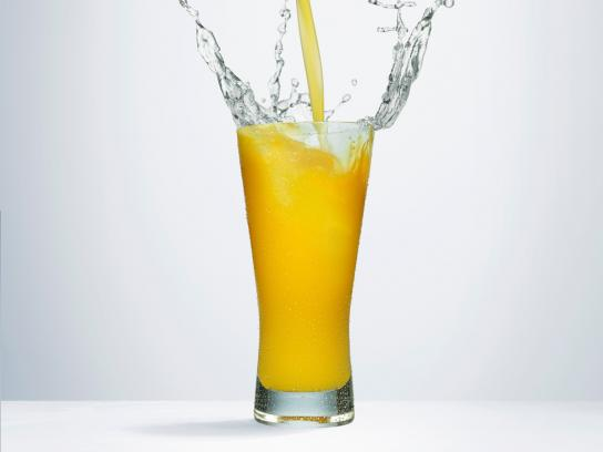 OMO Print Ad -  Splash, Orange Juice