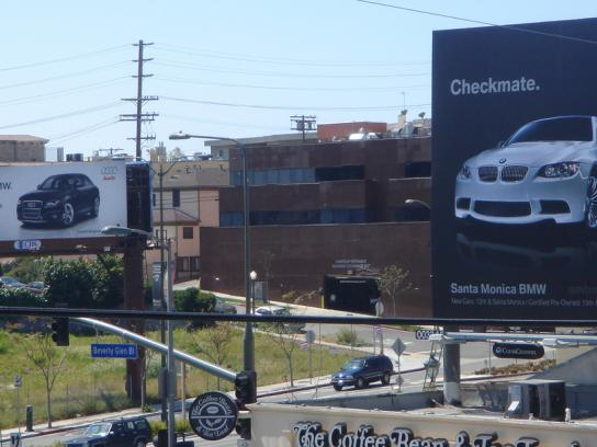 BMW Outdoor Ad -  Checkmate