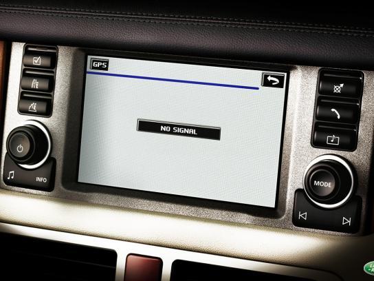Land Rover Print Ad -  No signal