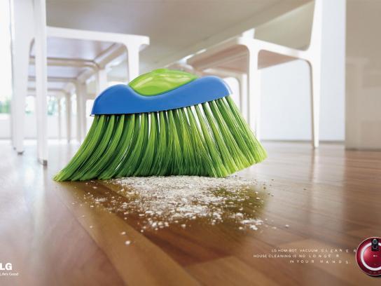 LG Print Ad -  Broom, 2