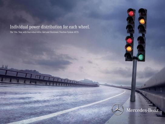 Mercedes Print Ad -  Traffic Light