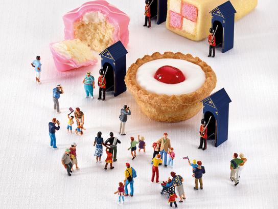 Mr Kipling Print Ad -  Jubilee Celebrations, Guards