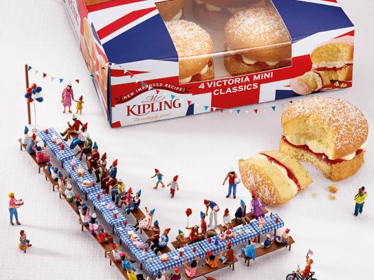 Mr Kipling Print Ad -  Jubilee Celebrations, Party