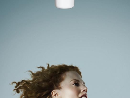 Bepanthol Print Ad -  Old Hairdryer