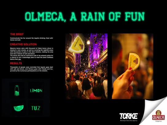 Olmeca Ambient Ad -  A rain of fun