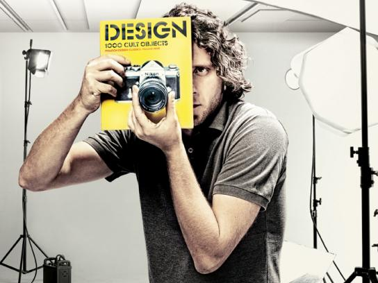 Público Print Ad -  Nikon