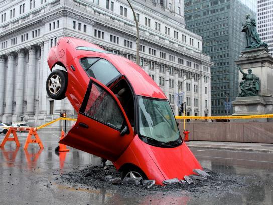 Pothole Season Ambient Ad -  Stunt