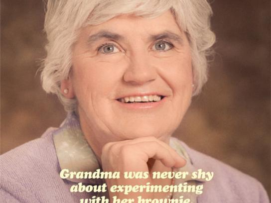 Crosby's Print Ad -  Grandma's Brownie