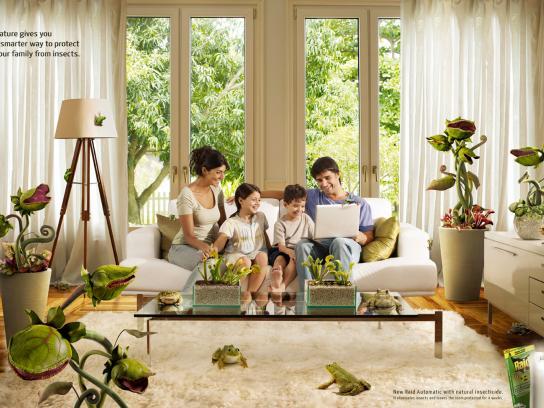 Raid Print Ad -  Family