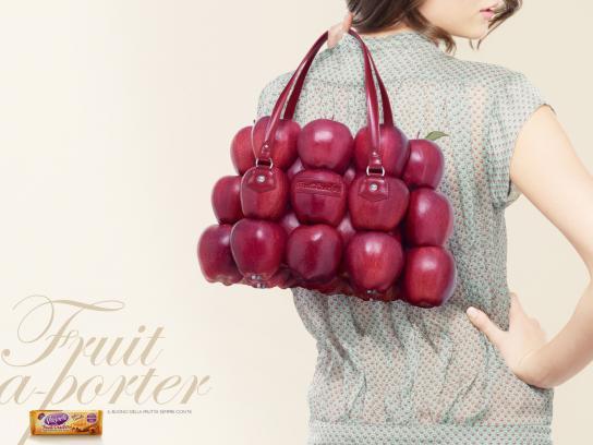 Vitasnella Print Ad -  Bags, Apples