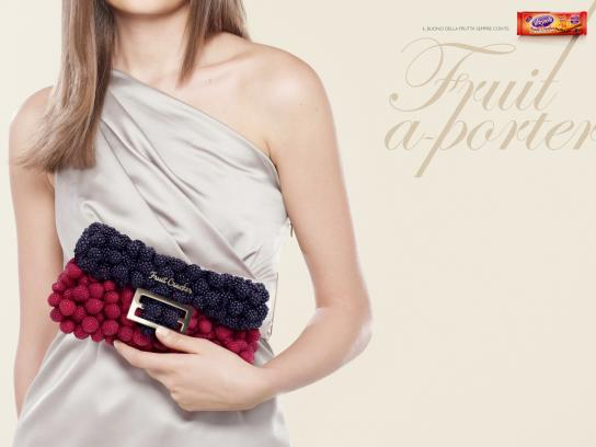 Vitasnella Print Ad -  Bags, Berries