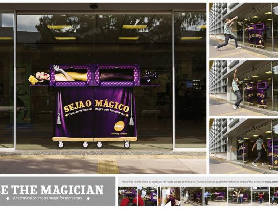 Senac Ambient Ad -  Magic Door