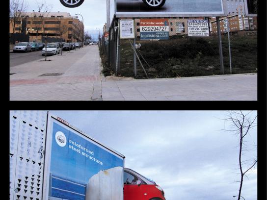 Smart Ambient Ad -  Corner billboard