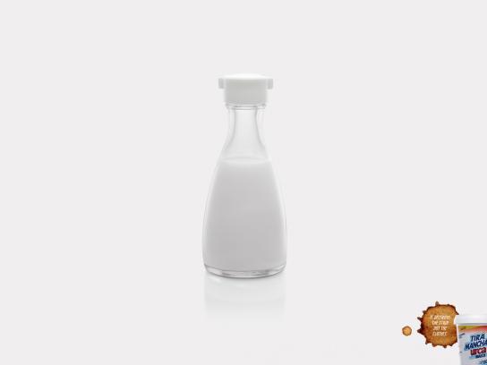Tira Manchas Print Ad -  Soy sauce