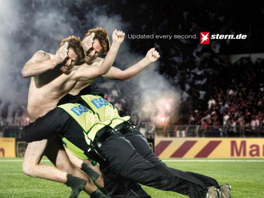 Stern Print Ad -  Streaker