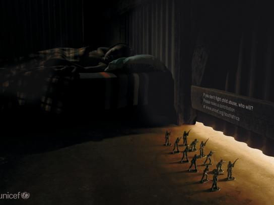 Unicef Print Ad -  Toy soldiers