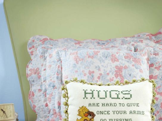 Universal Print Ad -  Hugs