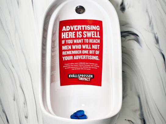 Kvällspressen Impact Ambient Ad -  A really unalternative media, Urinal
