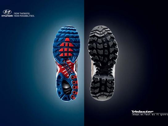 Hyundai Print Ad -  Runner Climbing