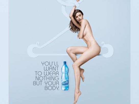 Vitasnella Print Ad -  Hanger, 3