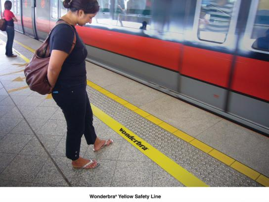 Wonderbra Ambient Ad -  Safety line