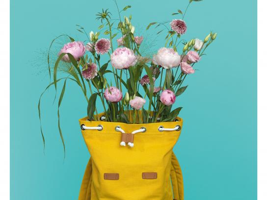 Interflora Print Ad - Thank Mum, 1
