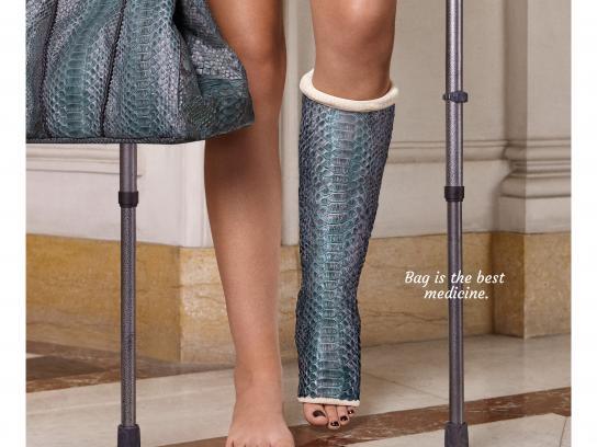 Isabelle Farrugia Print Ad - Leg