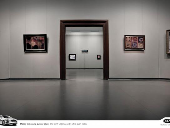 KIA Print Ad -  Art gallery