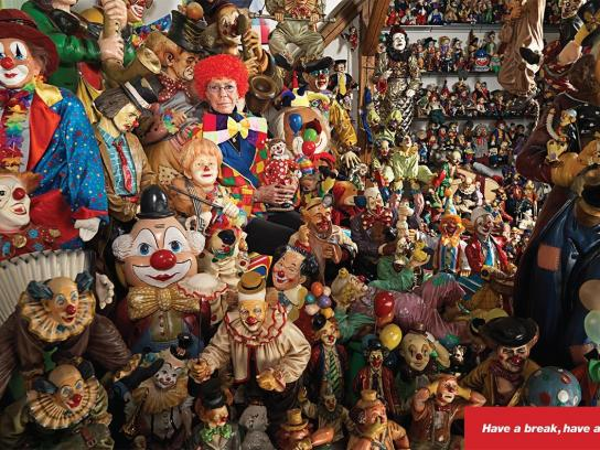 Kit Kat Print Ad -  Clowns