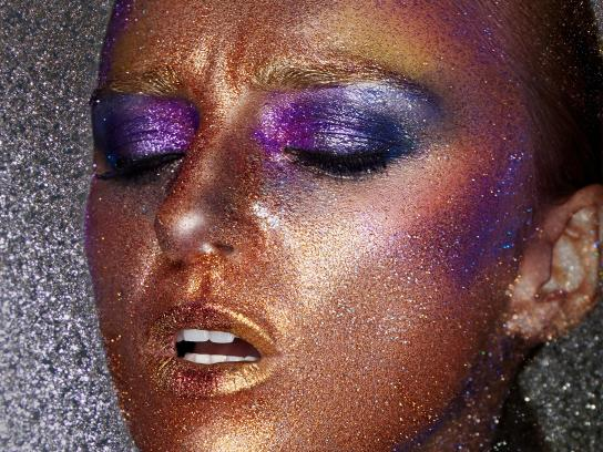 MAC Cosmetics Print Ad - Color is your runway, 2