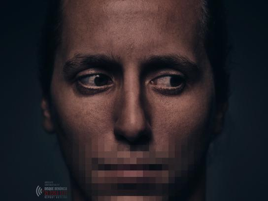 Disque Denúncia Print Ad - Absolute Confidentiality - Man
