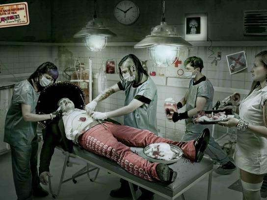 Radioacktiva Print Ad -  Mariachi