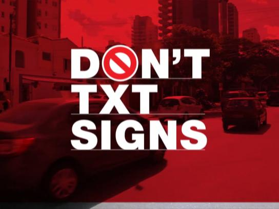 Motorola Ambient Ad - Don't text signs