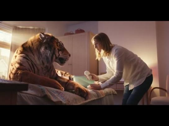 WWF Film Ad - Tiger in Suburbia