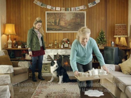 Meteor Film Ad - Merry Hintmas - Dog