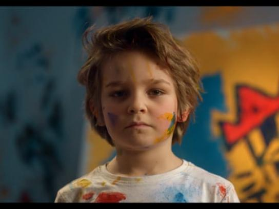 Helpling Film Ad - Embrace the mess - Born to be artist