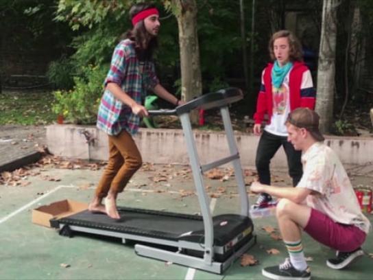 Banco Santa Fe Film Ad - Poor Parents - Treadmill