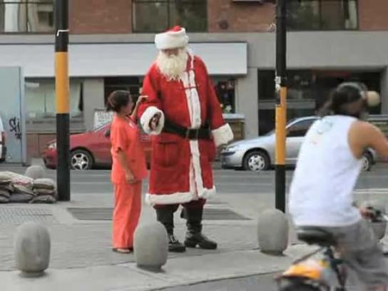 Coca-Cola Ambient Ad -  Big Santa