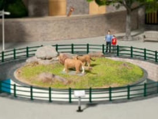 East Coast Trains Film Ad -  Miniature prices, Zoo