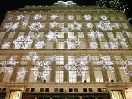 Saks Fifth Avenue Ambient Ad -  3D Holiday windows