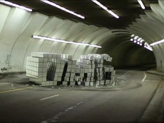 Liberty Mutual Film Ad -  Dnt Txt & Drv, Tunnel