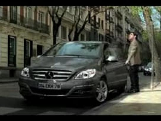Mercedes Film Ad -  Fit in