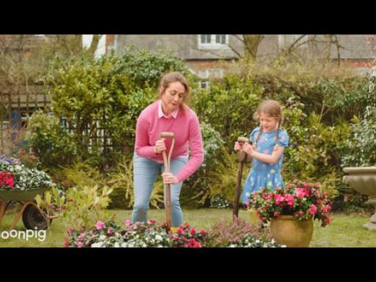 Moonpig Film Ad - V&A