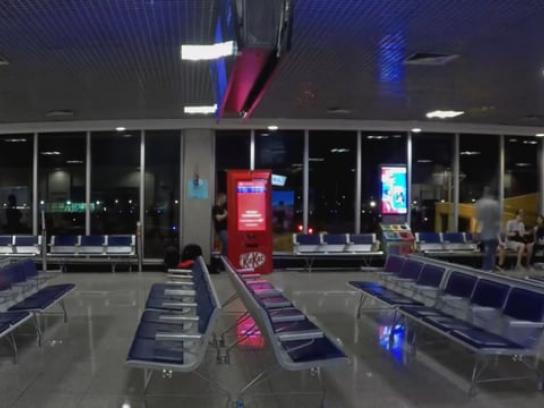 Kit Kat Ambient Ad - Delayed Flight Machine