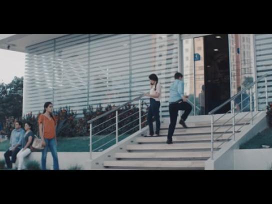 Nacional Seguros Film Ad - Stole