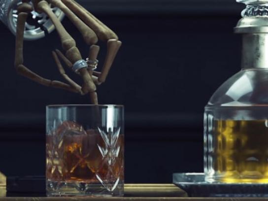 Gayubo Film Ad - Classics Never Die - Glass