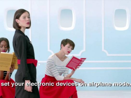 Air France Film Ad -  Safety demonstration